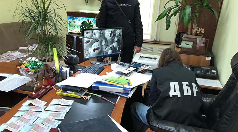 Обыск в кабинете полицейского